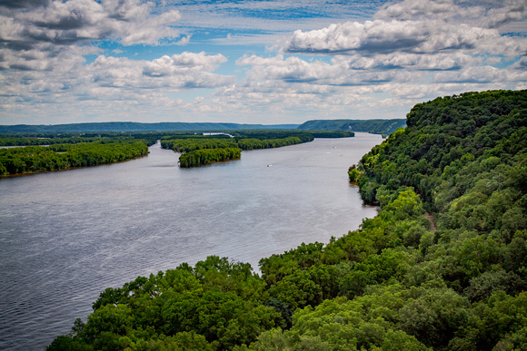Hanging Rock Overlook at Effigy Mounds National Monument